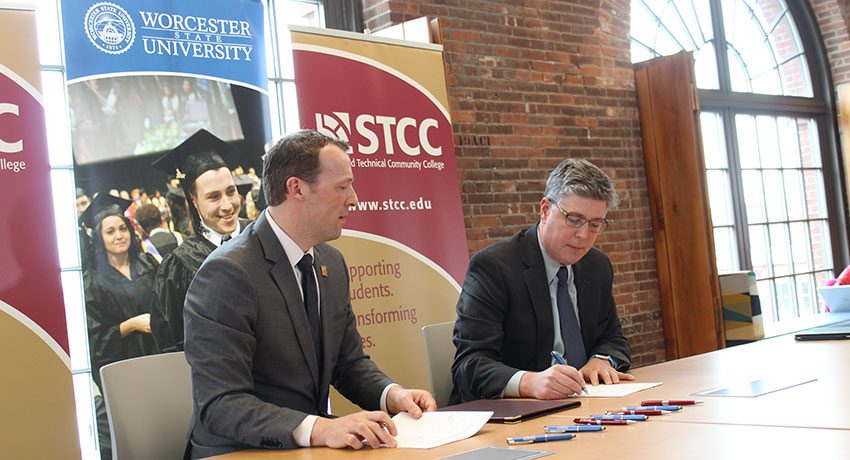 WSU STCC sign articulation agreement